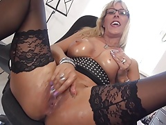 Sexy mom with amazing ass and  pussy