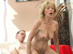 Saggy granny creampied by youthful guy