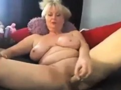Sexy busty  enjoying with big phat dildo on webcam