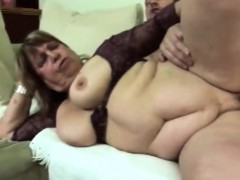 Big granny fellating pecker and getting laid