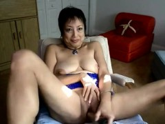 Horny Chinese grannie pulverizes herself with a