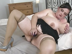 Big mature mom with very big tits needs sex