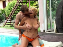 Euro granny with bigtits gets porked outdoors