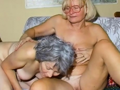OmaHoteL 2 Mature Lesbians Playing Together