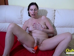 OldNannY Lonely Mom Solo