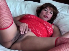 LYNMILF IS AMATEUR ASIAN MATURE WIFE